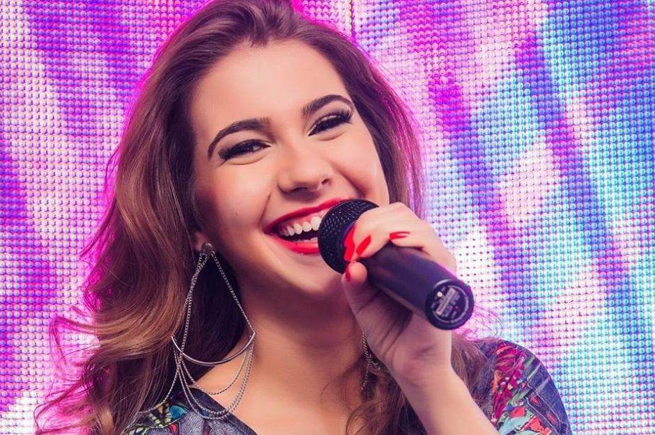 """Bia Lopes, seu """"Salto 21"""" e a paixão pela músicaBia Lopes, seu """"Salto 21"""" e a paixão pela música"""