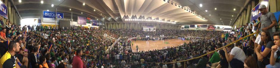 Com o apoio da torcida, Bauru Basket vence NBB! Confira os vídeos