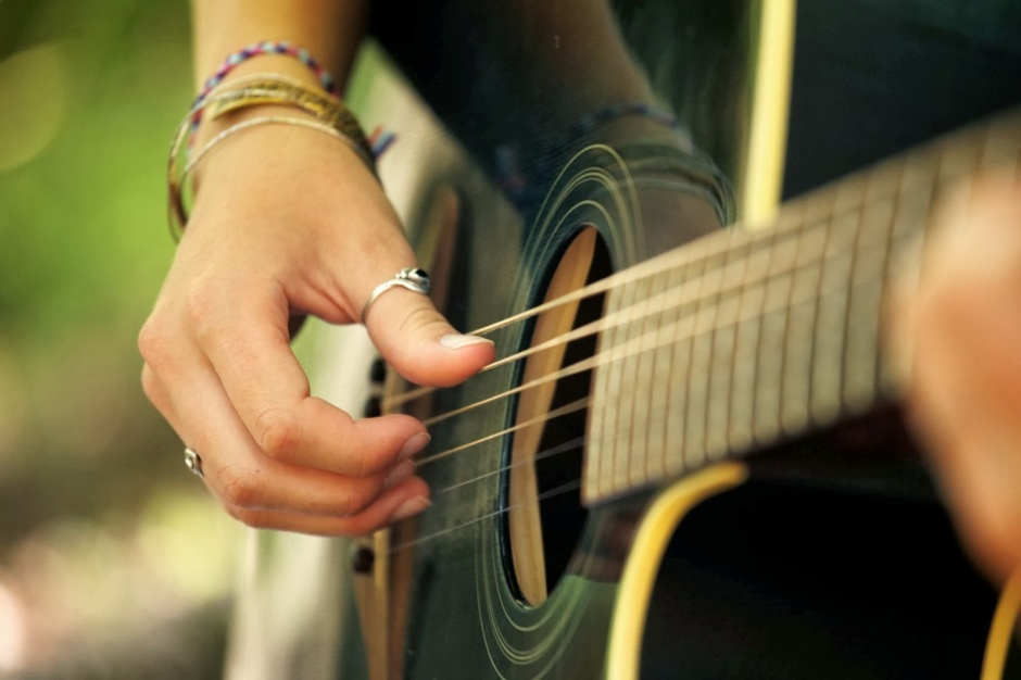 Biblioteca abre inscrições para curso de violão