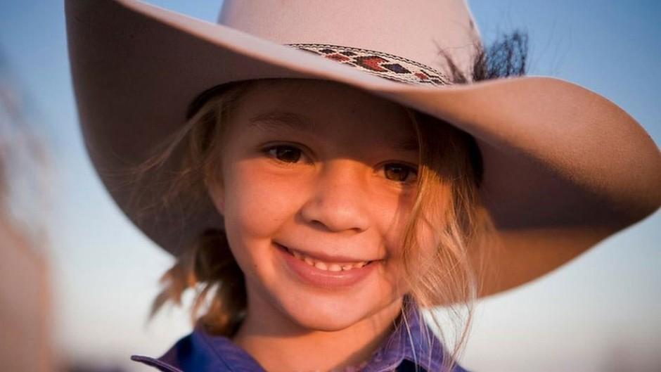 Aos 14 anos, adolescente australiana comete suicídio após bullying