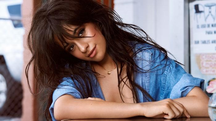 Álbum de Camila Cabello estreia no topo da Billboard 200