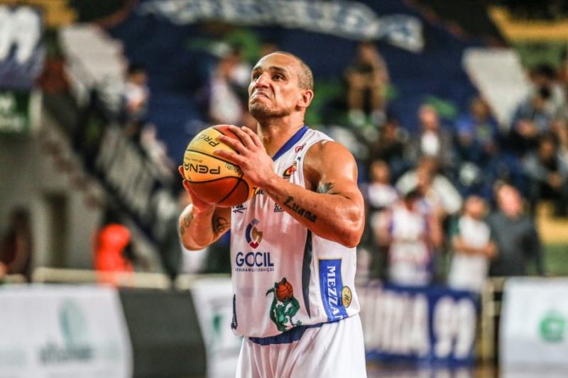 Bauru Basket encara o Cearense nesta quarta-feira
