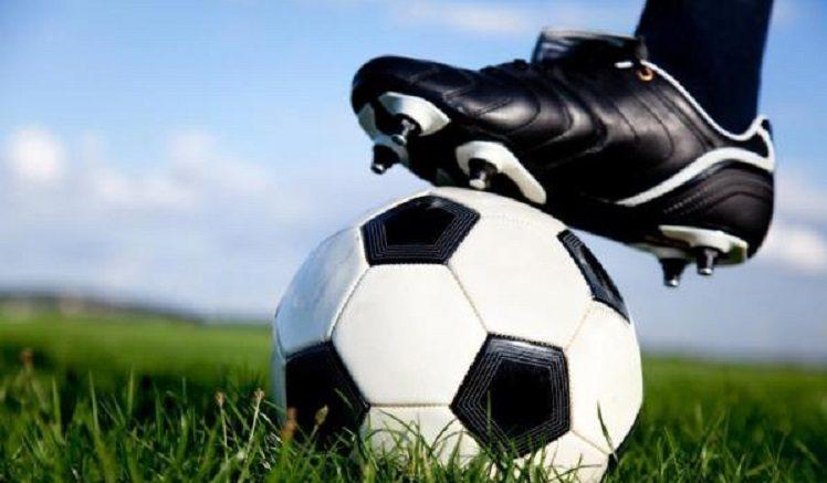 Semel oferece aulas gratuitas de futebol de campo em Bauru