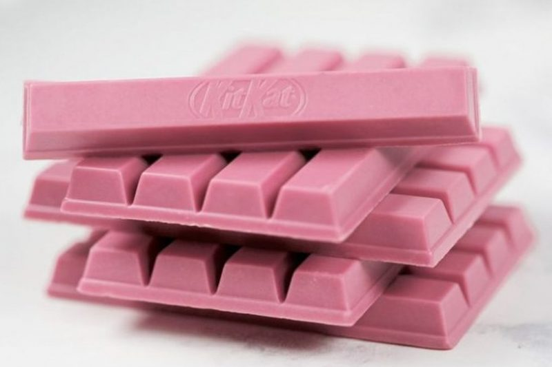 Kit Kat lança o primeiro chocolate rosa do Brasil