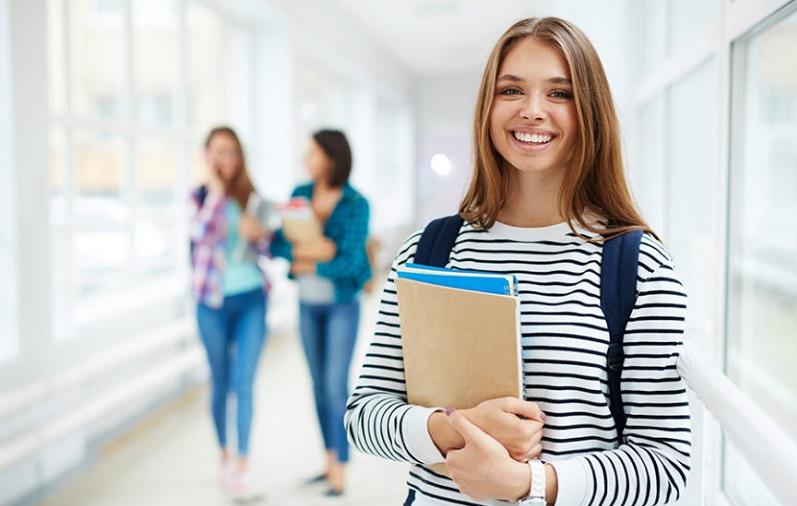 """FIB Bauru realiza evento """"Universitário por um dia"""" com aulas práticas!"""