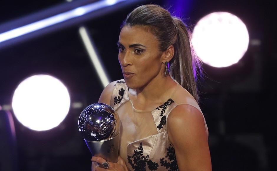 Marta é eleita a melhor jogadora do mundo pela sexta vez